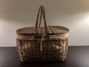 Wicker picnic basket, canvas-lined for Sale in Alexandria, VA
