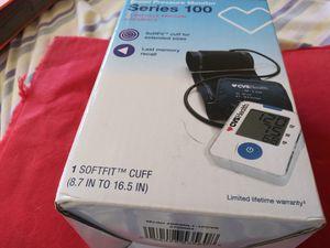 Rquipo de tomar la precion digitañ nurvo u sutomstico 25 for Sale in Miami, FL