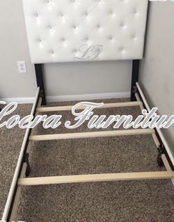 New White Tufted Twin Bed With Rhinestones $109 💕 Please Read Description For More Details!! for Sale in Katy,  TX