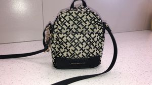 Tommy hilfiger crossbody backpack for Sale in Oxnard, CA