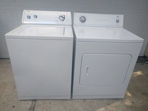 Whirlpool Washer & Roper Electric Dryer for Sale in Houston, TX