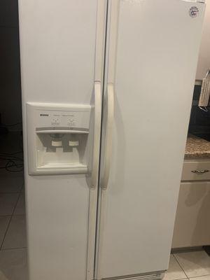 Kenmore Refridgerator for Sale in BELLEAIR BLF, FL