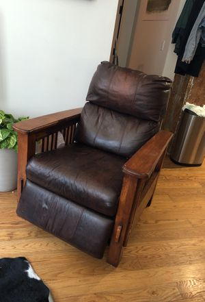 Antique recliner for Sale in Brooklyn, NY