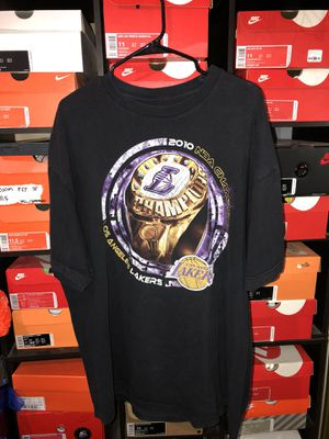 2010 and 2002 Lakers Championship Tees SIZE XL for Sale in Glendora, CA