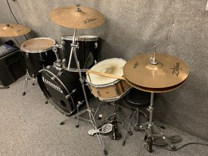 4 piece drum set for Sale in Winter Park, FL