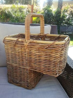 Rattan Wicker Step Basket for Sale in San Diego, CA