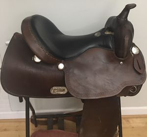 """Simco 16-17"""" Flextree trail saddle for Sale in Nicholasville, KY"""