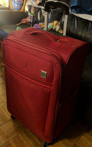 Carry On Suitcase (Red) for Sale in Alexandria, VA