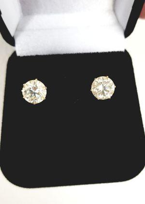 New 4ct moissanite diamonds stud earrings! for Sale in Bloomfield Hills, MI