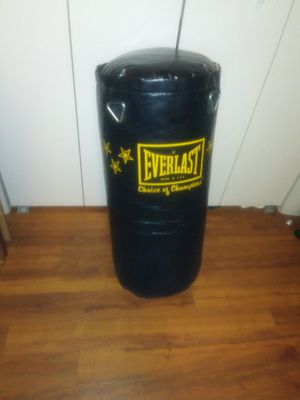 Everlast punching bag for Sale in Boston, MA