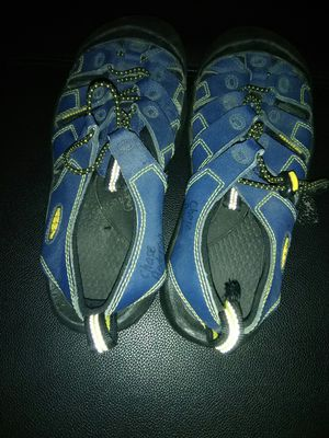 Keen shoes size 6 for Sale in Oakland, CA