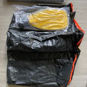 Intex Inflatable Boat Suits For One for Sale in Austin, TX