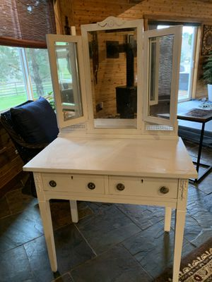 Antique Vanity/Makeup table/Dressing table for Sale in Lacey, WA