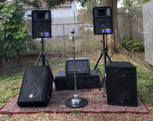 PA system with Microphone, cables, monitors, and rug for Sale in Tampa, FL