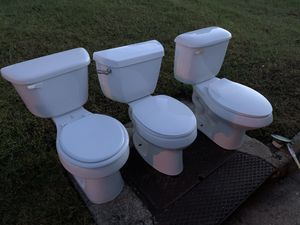 3 Toilets for free. for Sale in Virginia Beach, VA