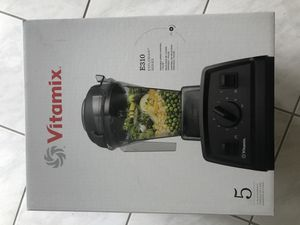 Vitamix Blender Explorian E310 for Sale in Miami, FL