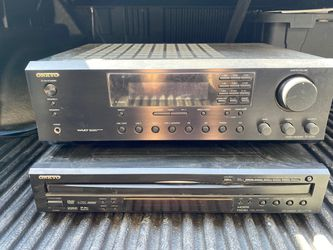 onkyo amplifier and 6 disc changer for Sale in Manteca,  CA