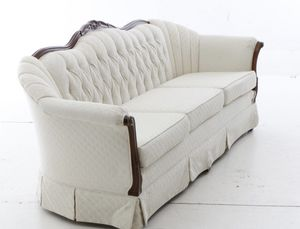 White French provincial style couch for Sale in Miami, FL
