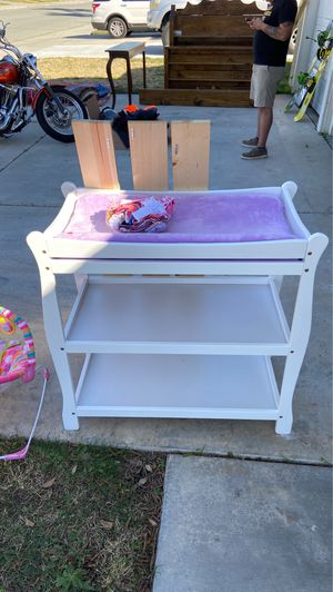 Changing table for Sale in San Jacinto, CA