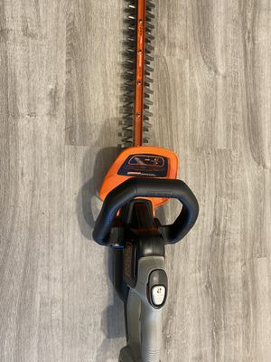 Black and decker chainsaw cordless for Sale in Lutz, FL
