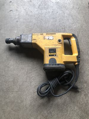Dewalt Rotary Hammer with 3 drill attachments. for Sale in Mountlake Terrace, WA
