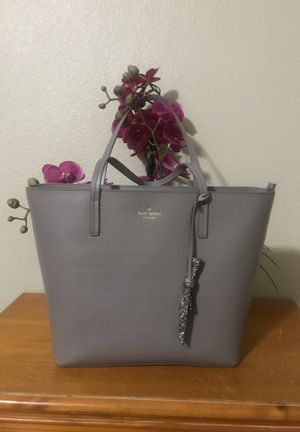Kate Spade ♠️ Karla tote for Sale in Menifee, CA