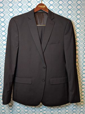 Van Heusen Mens slim fit Black suit for Sale in Greenville, NC