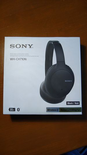 Sony wireless noise cancelling stereo headset for Sale in Cleveland, OH