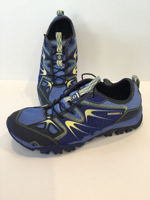 Merrell Womens Size 8 Athletic Outdoor Shoe for Sale in Horseshoe Beach, FL