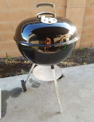 In excellent condition Weber bbq grill for Sale in Anaheim, CA