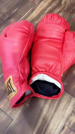 Original boxing gloves for Sale in Detroit, MI