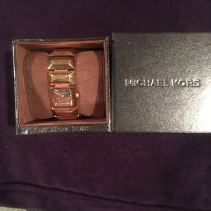 2 Michael Kors Watchs for Sale in Temple Hills, MD