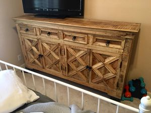 Most beautiful solid wood accent table! for Sale in Scottsdale, AZ