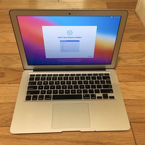 2017 MacBook Air, 8gb RAM, 256gb SSD, Microsoft Office 2019 for Sale in Norwalk, CT