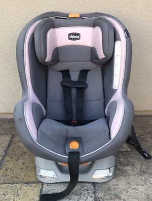 CHICCO NEXT FIT ZIP CONVERTIBLE CAR SEAT!! for Sale in Colton, CA