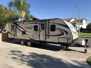 2016 Bullet by keystone RV Camper trailer mobile camping for Sale in Rialto, CA