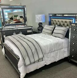 🤞🤞$39 Down Payment. 👈 Refino Gray LED Panel Bedroom Set for Sale in Washington,  DC