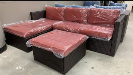 Laraaa💃💃Home And Garden Outlet 🎀Great sectional patio set 🎀with ottoman ⬇️Just $39 Down Delivery available 🚚 for Sale in Houston,  TX