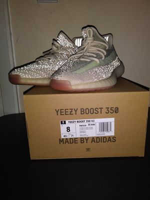 Size 8-Reflective Yeezy 350 v2 Citrin for Sale in Ceres, CA