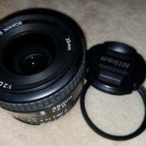 AF-D Nikkor 35mm 1:2 lens, as new for Sale in Lakeside, CA