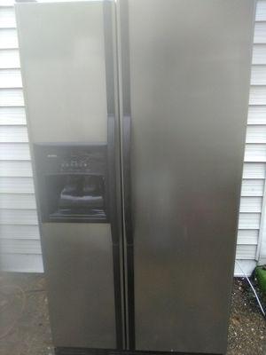 Refrigerator. Kenmore. for Sale in Virginia Beach, VA