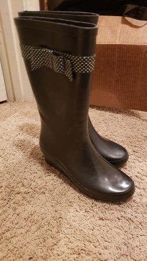 Heeled rain boots size 8 for Sale in North Las Vegas, NV