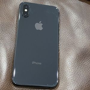 Apple iPhone XS 64GB for Sale in Queens, NY