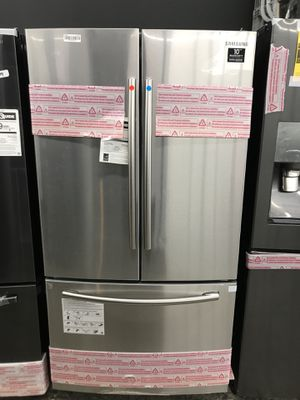 Samsung French door refrigerator new with ice maker on bottom for Sale in San Diego, CA