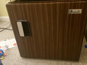 Avanti Mini fridge for Sale in Blue Bell,  PA