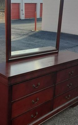SOLID WOOD LONG DRESSER WITH BIG DRAWER AND BIG MIRROR GREAT CONDITION for Sale in Fairfax,  VA