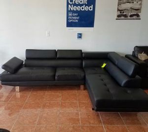 Black sectional sofa with chrome finish legs adjustable headrest 105x75 for Sale in Fort Lauderdale, FL