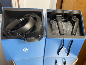 HP Windows Mixed Reality Set for Sale in MONTGMRY, IL