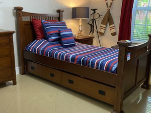 Bedroom Furniture twin size bed for Sale in Miami, FL