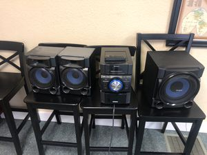 Sony 540W Bookshelf Stereo System (MHC-EC909iP) Complete w 2 speakers, for Sale in Tacoma, WA